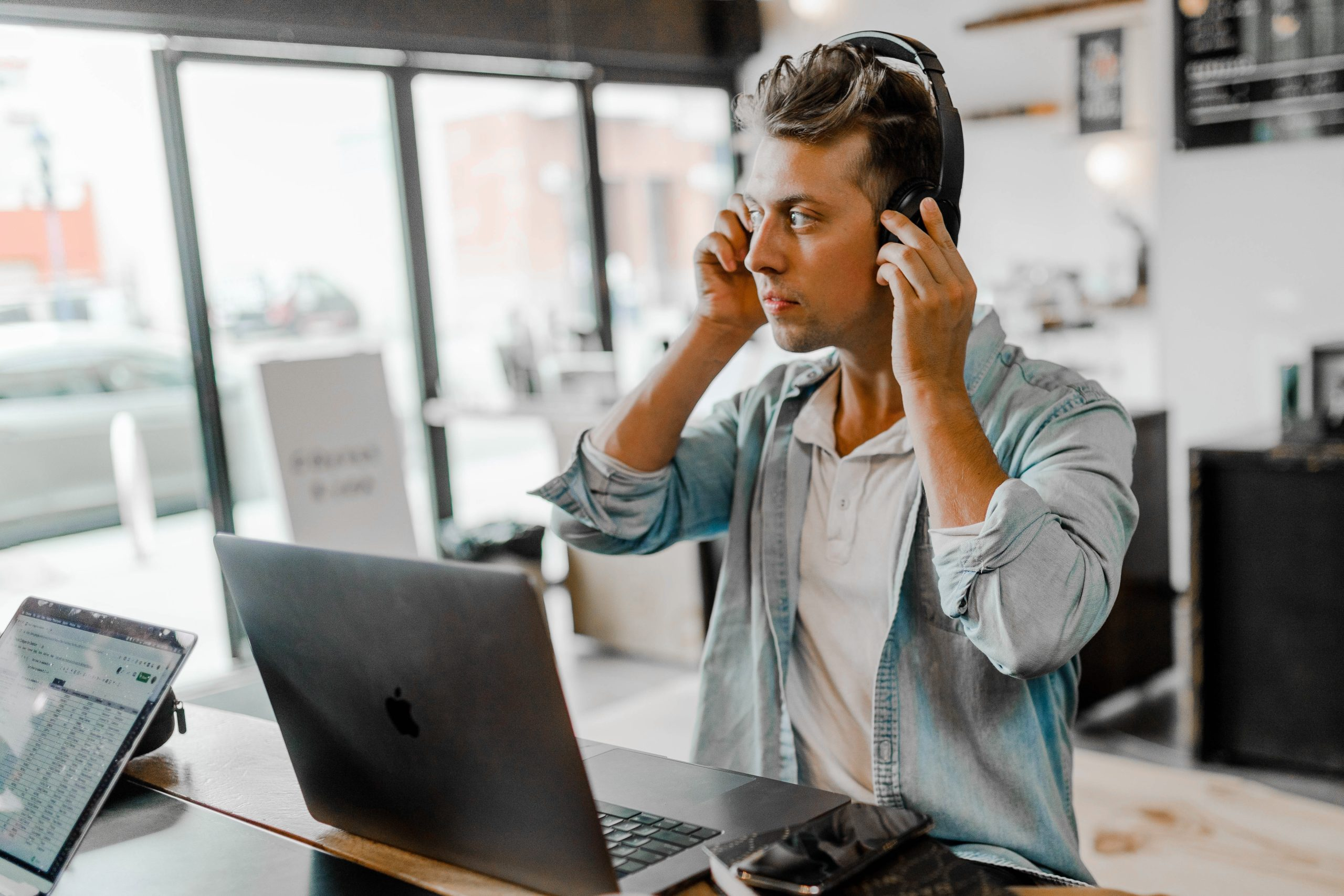What Type of Equipment Do Transcribers Need?